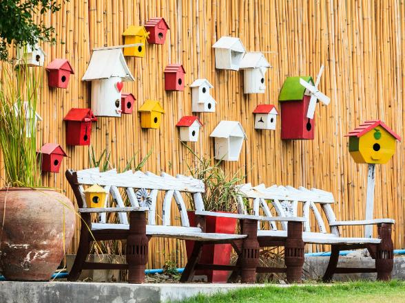 A tökéletes harmónia és a háborítatlan nyugalom szigetén, többféle kerti bútor kínálta kényelemben hódolhatunk a pihenés élvezetének.