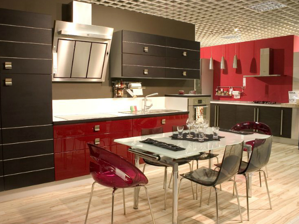 Egyre többen választanak modern stílusú konyhát, amelyre a letisztult formák és a sima felületek jellemzőek.
