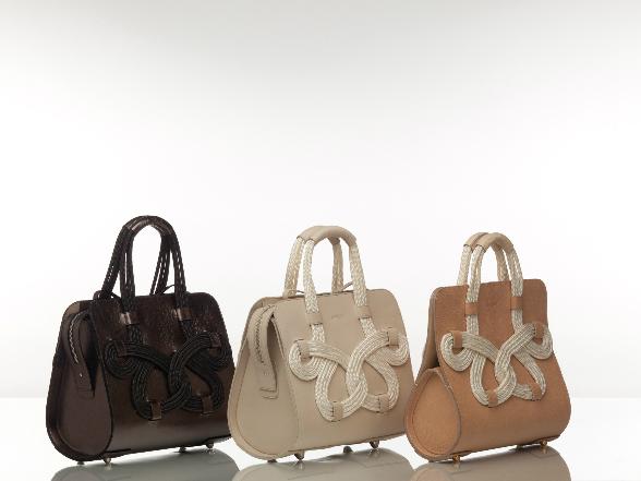 Ha különleges táskára vágyunk, érdemes válogatni a világmárkák mellett a hazai tervezők munkáiból is.
