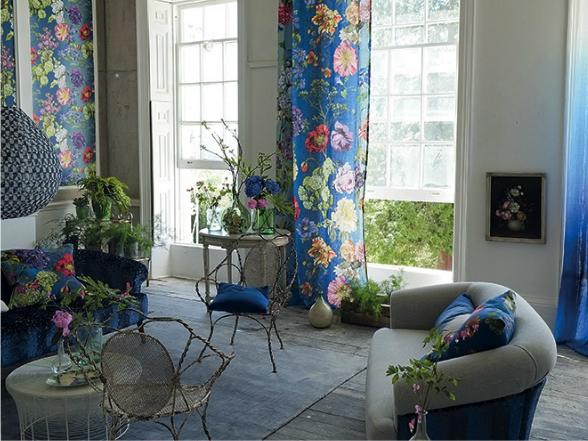 A hideg időben sem kell lemondanunk az élénk nyári színekről. Öltöztessük otthonunkat virágos kertté üde, vidám, textilekkel.