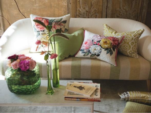 Tavasszal minden az üde, színpompás virágokról szól.Miért ne csempészhetnénk ebből a csodából minél többet lakásunkba is?